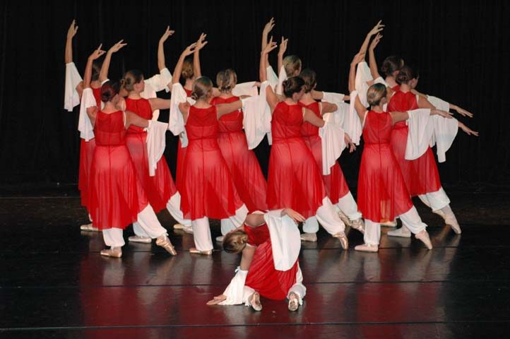 Acad mie de ballet nini theilade cours de danse lyon for Cours ballet adulte
